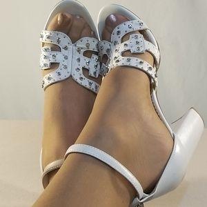 New Sam Edelman White/Silver Accented Heels